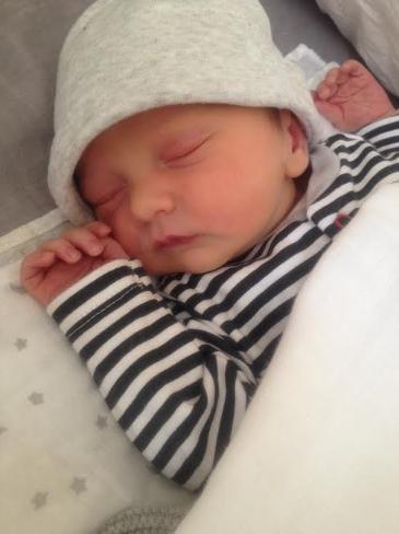 Baby Feliz - Julia